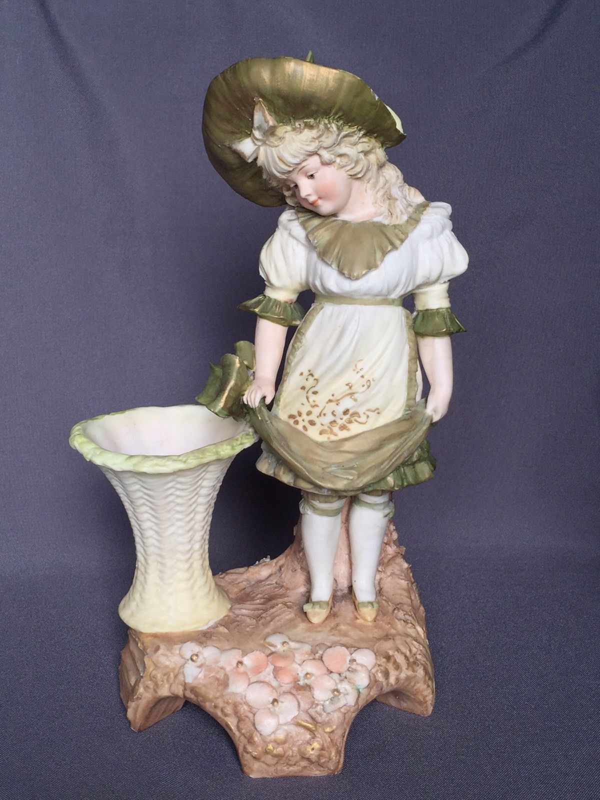 Gorgeous antique ernst wahliss teplitz amphora victorian porcelain gorgeous antique ernst wahliss teplitz amphora victorian porcelain figurine vase ebay reviewsmspy