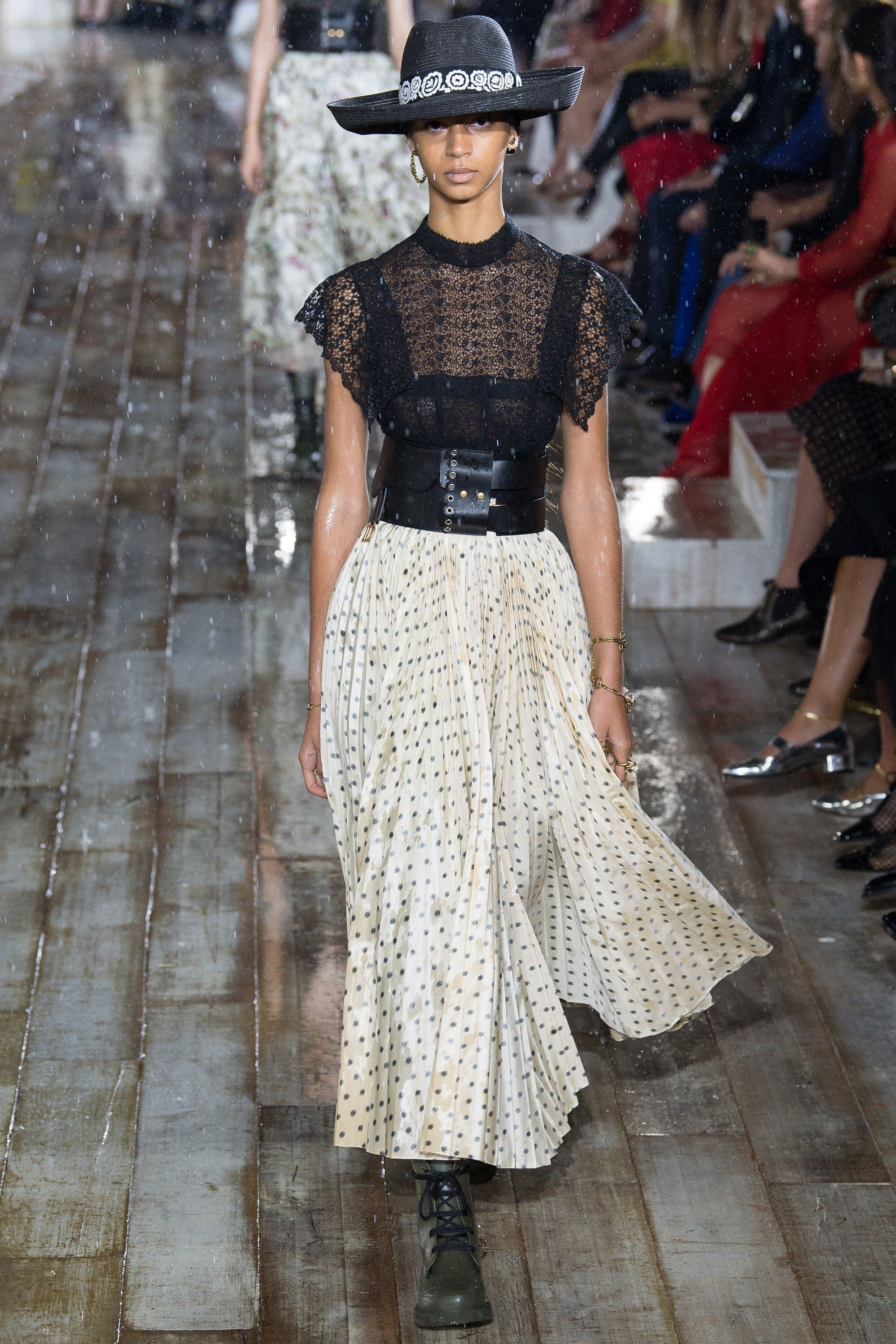 f13585478 Christian Dior Resort 2019 Fashion Show Collection: See the complete ...