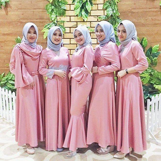 5 535 Likes 46 Comments Gaun Kebaya Bridesmaid Inspirasigaunmuslimm On Instagram Inspired By Fairuzsakinah Pengantin Gaun Pernikahan