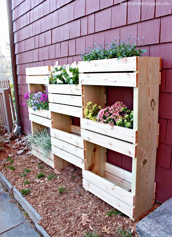 That 39 s my letter d is for diy workshop vertical for Vertical planter boxes