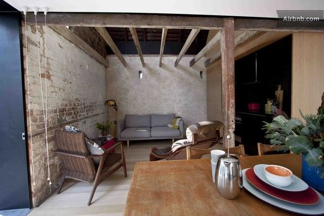 Completely enamoured with this gorgeous converted barn in Tasmania, Australia. Living room