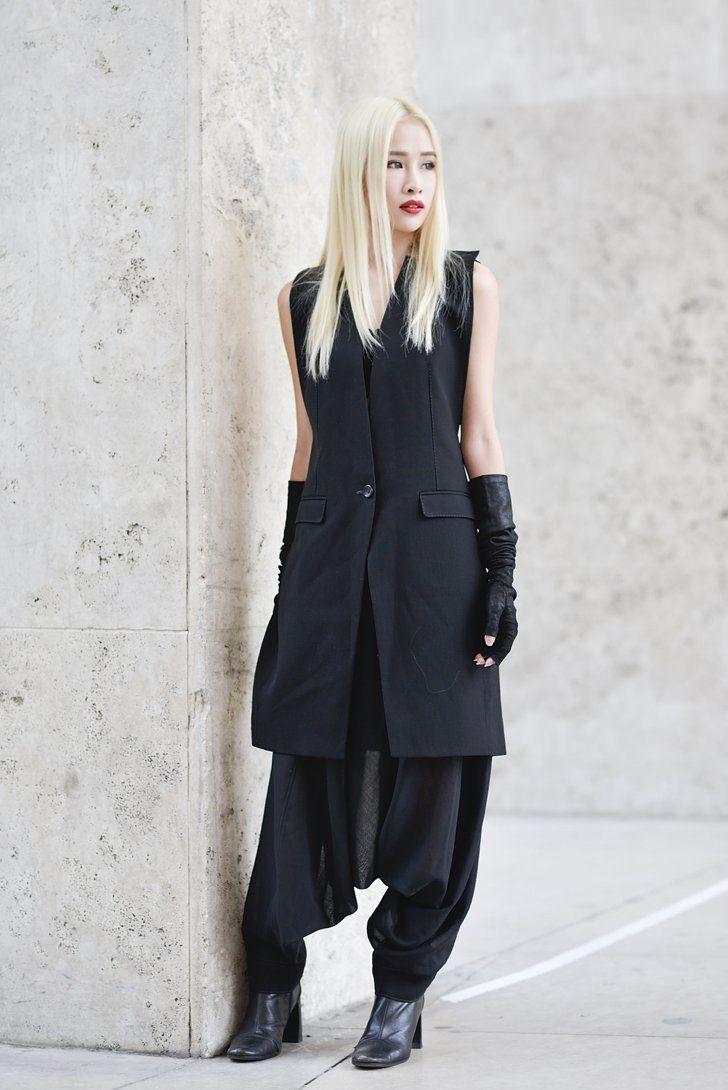 Pin for Later: Die frischesten Street Style Inspirationen des Sommers aus den Modemetropolen Street Style Juni 2015 Fashion Week Paris