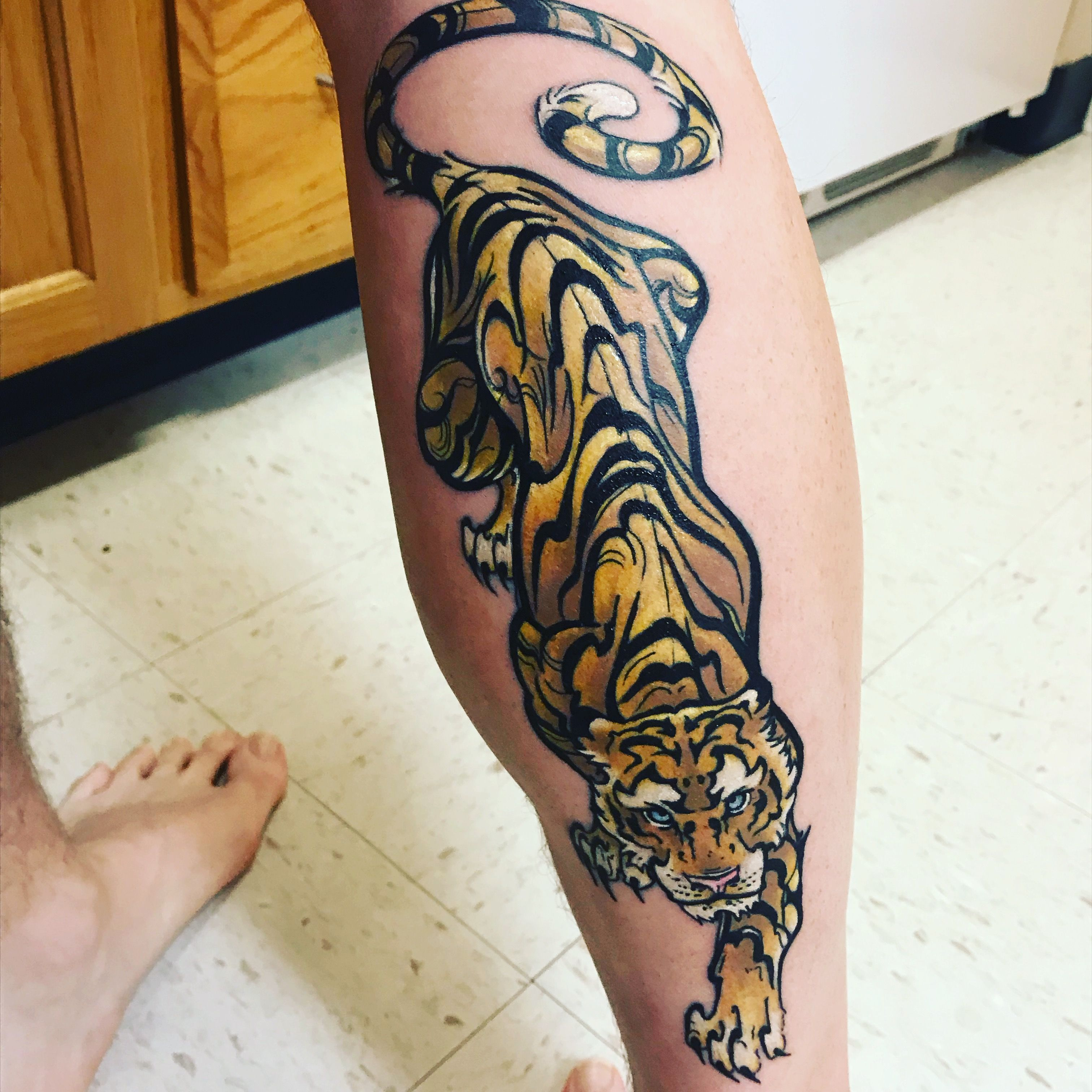 Tiger Calf Tattoo Crawling Down Tiger Tattoo Leg Tattoos Tattoos