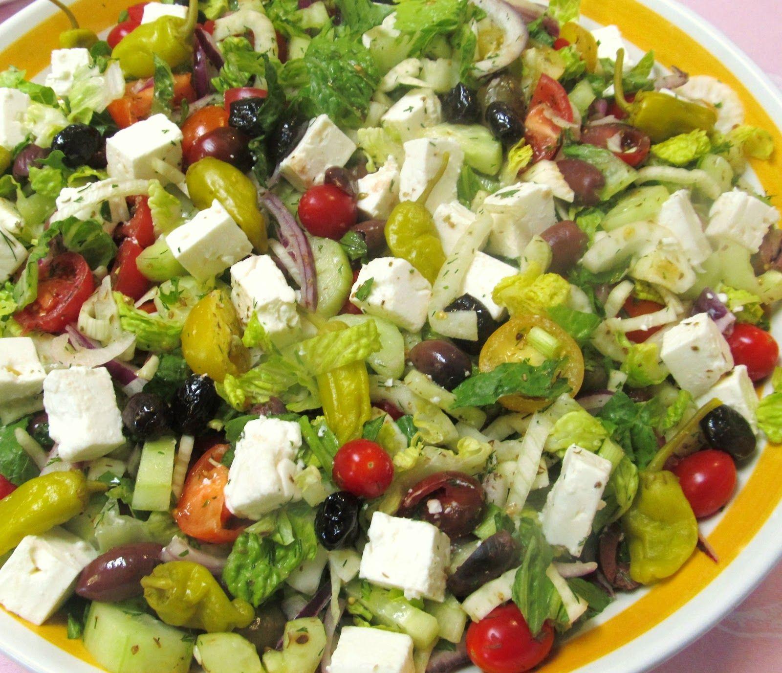 GREEK SALAD FOR A CROWD | Salads for a crowd, Greek salad ...
