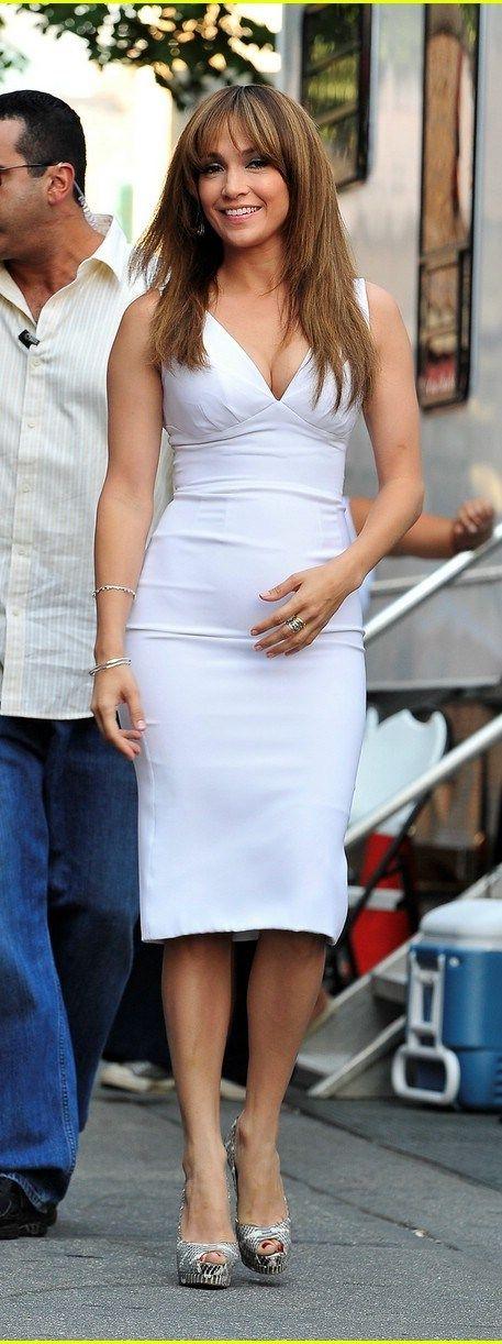 Jennifer Lopez - fabulous and fitted #bumpychic