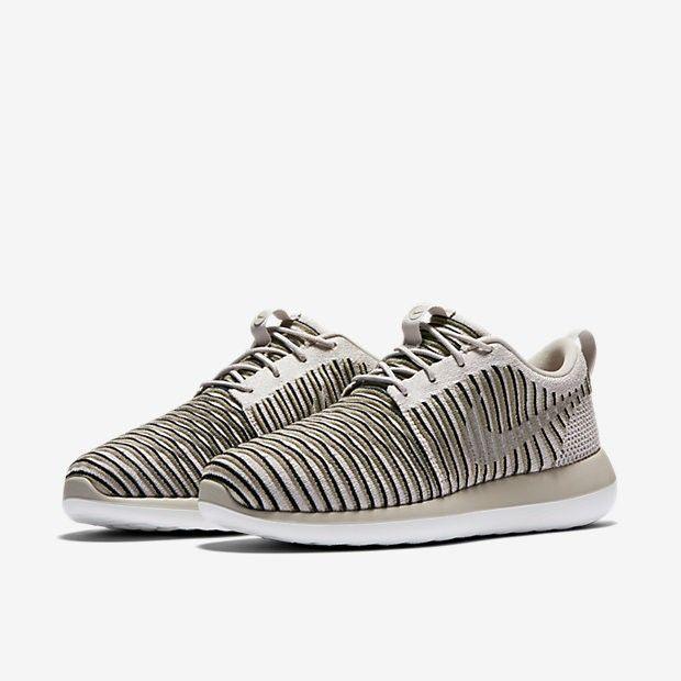Women's Shoe Nike Roshe Two Flyknit 844929-200
