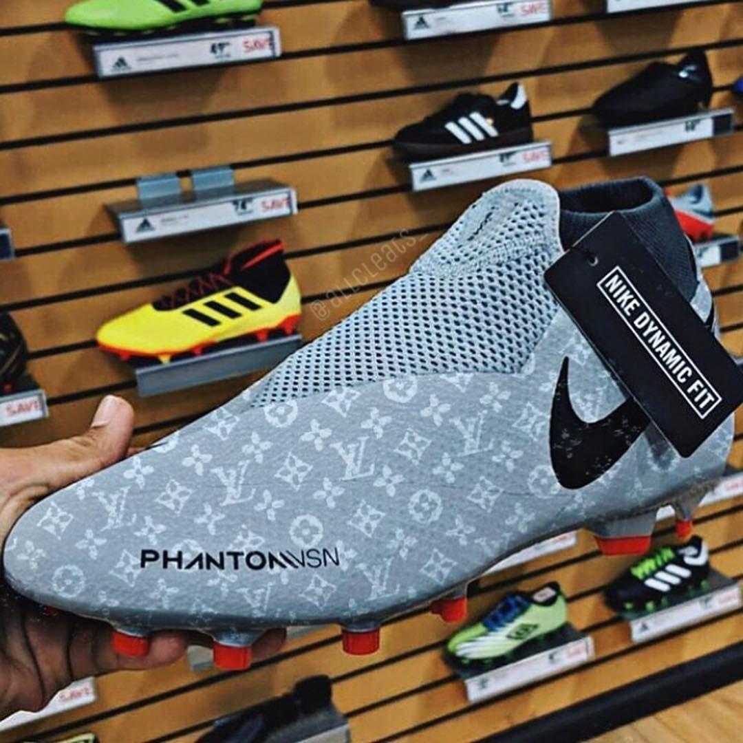 Detroit   Soccer boots
