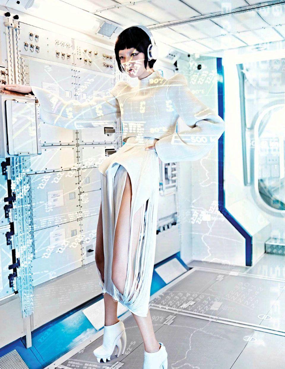 "Grace Guozhi by Marc De Groot (""Shenzhou 9"") - (September 2012) - Futuristic Editorials - Themed Editorials - Women`s Fashion Editorials - F..."