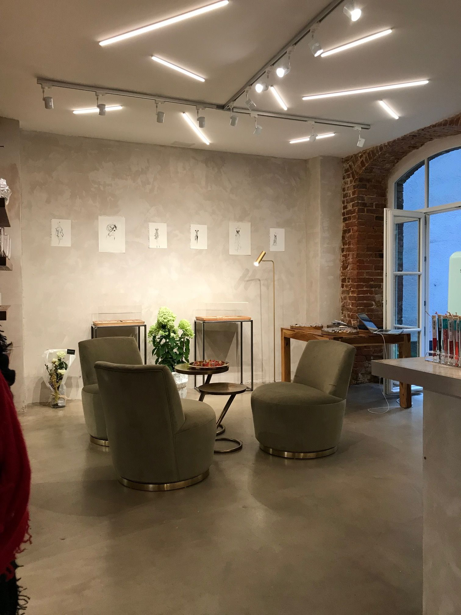 The lighting products of bright special lighting sa have been used at the fashion concept store