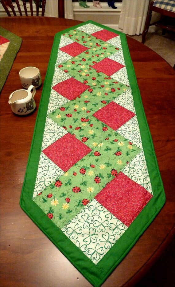 Pinterest Quilting Table Runners : Camino de Mesa al Hacer Navidad Pinterest Patchwork, Quilt table runners and Tablerunners