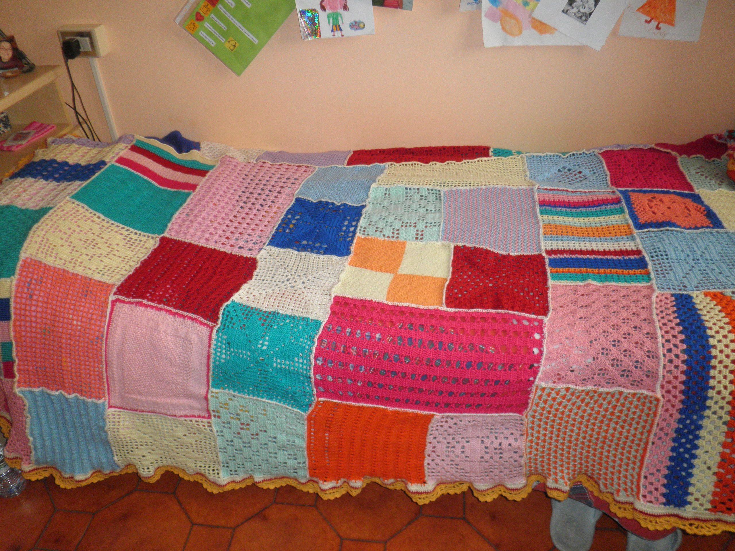 Coperta multicolor fatta con quadri uno diverso dall 39 altro for Disegni di coperta inclusi