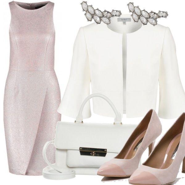 Molto bello il tubino rosa in lurex, Abbinato al bianco del giacchino, della borsa e il rosa delle scarpe è molto adatto ad una cerimonia e sfruttabile anche in ufficio o ad un pranzo di lavoro.
