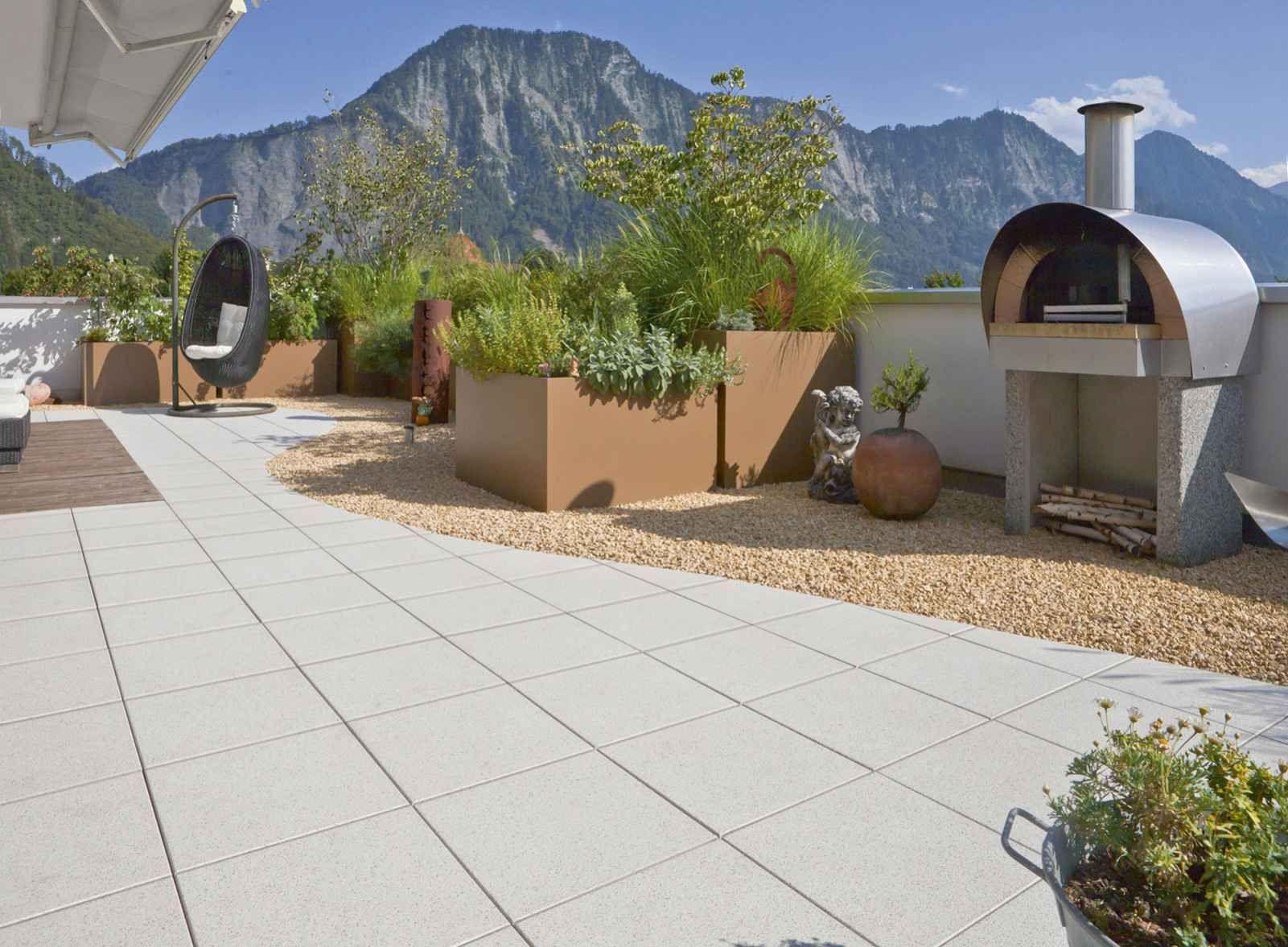 die terrassenplatten terralit sind ein klassiker von rinn. Black Bedroom Furniture Sets. Home Design Ideas