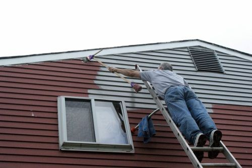 How We Painted Our Aluminum Siding With Brushes Aluminum Siding Exterior House Siding Painting Aluminum Siding
