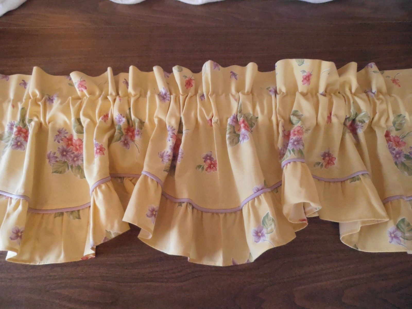 Waverly Garden Room Window Valance Field Of Flowers Yellow Floral | EBay