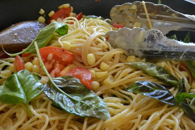 Pasta w/ Fresh Corn, Tomatoes & Basil