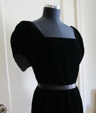 Black Velvet Puff Sleeved Dress M $30