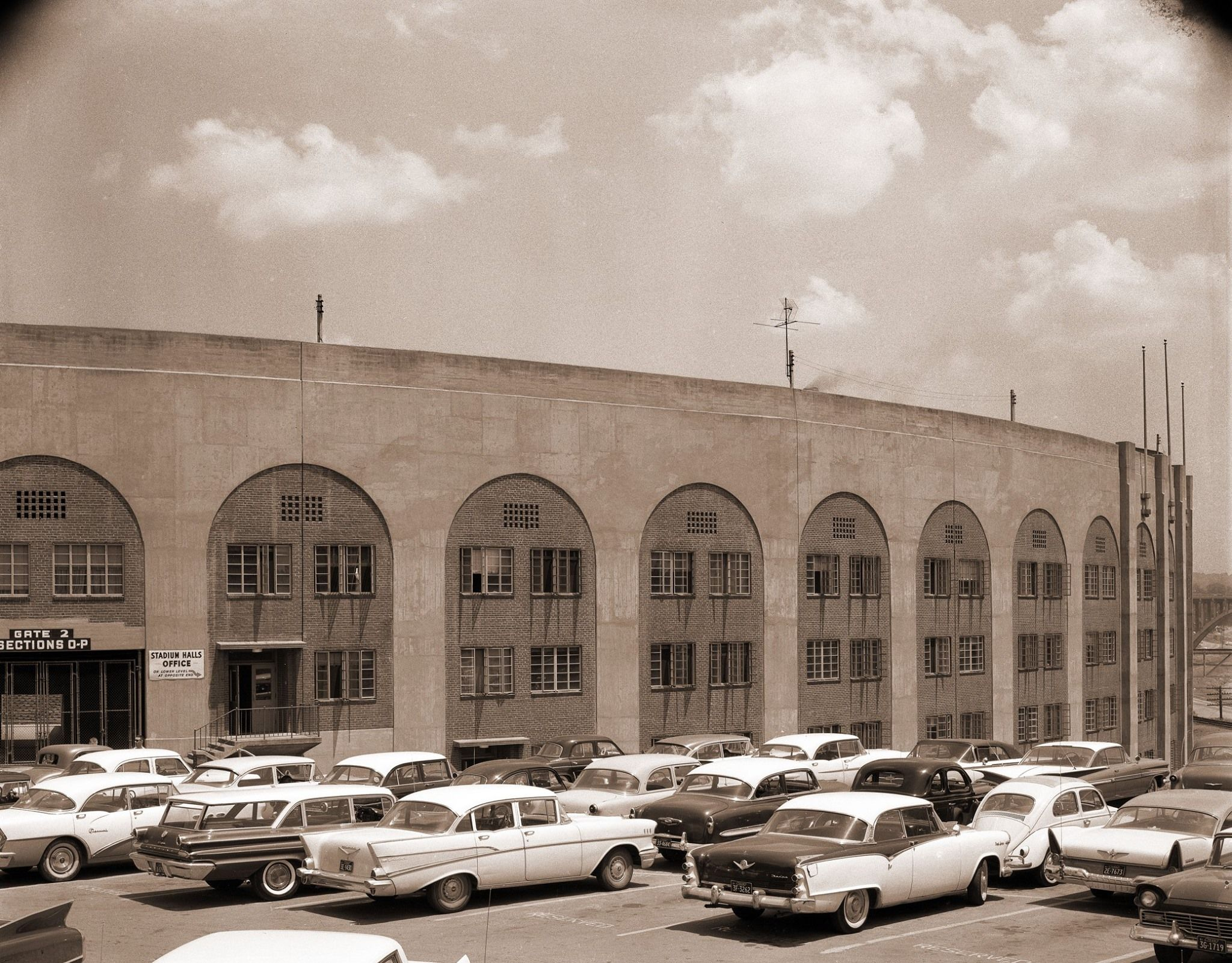 Outside Neyland Stadium 1961 With Images Knoxville Tennessee