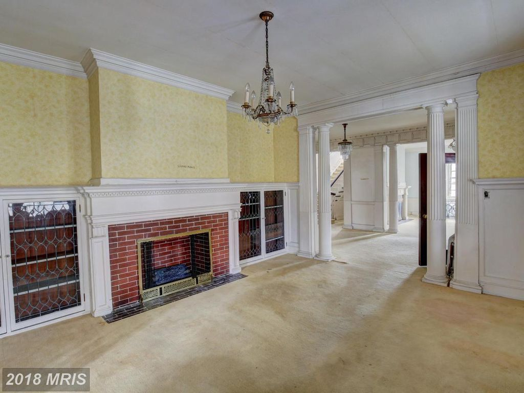 1017 Oak Hill Ave Hagerstown Md 21742 Mls Wa10192836 Zillow Old House Dreams House Victorian Homes