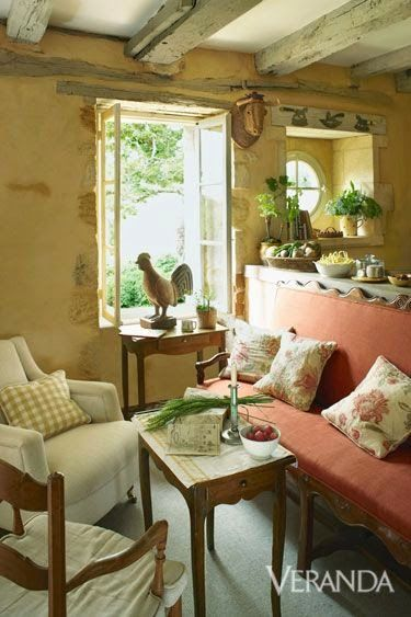 Decorating Small Spaces In Grand Style French Country Decorating Country Decor French Country House
