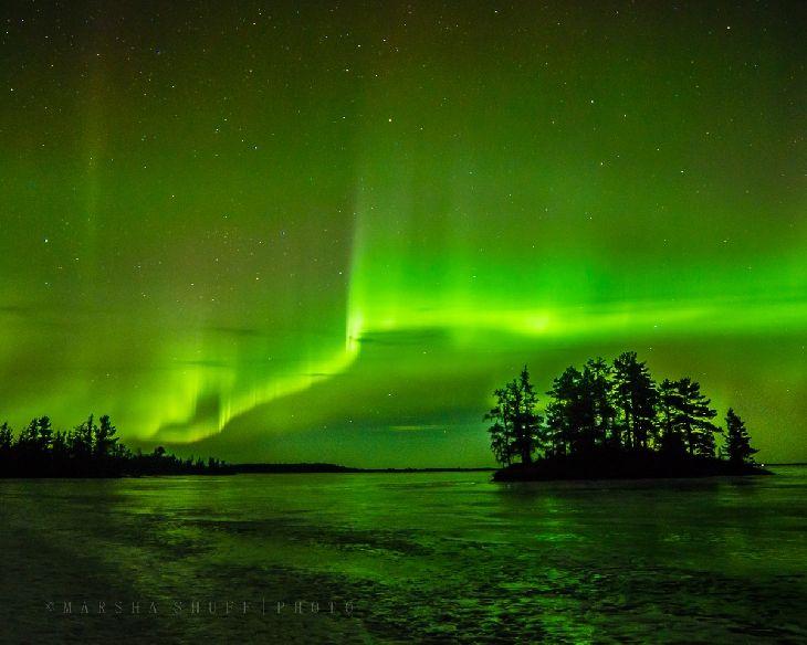 aurora borealis international falls minnesota on rainy lake