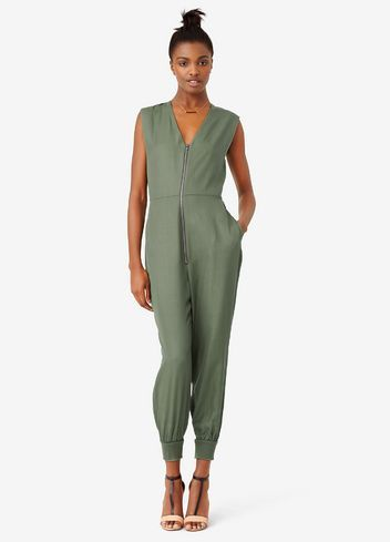 edef29ad0d8 7 Jumpsuits Guaranteed to Make You the Most Stylish Party Guest This ...