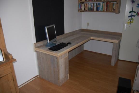 Zwevend Bureau Maken : Een hoekbureau zelf maken marinus bureau