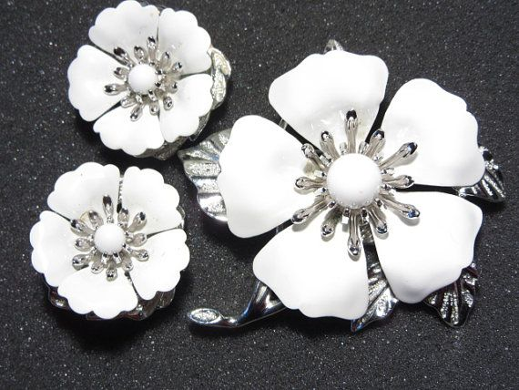 Sarah coventry white flower brooch and earrings set summer magic sarah coventry white flower brooch and earrings by darsjewelrybox mightylinksfo