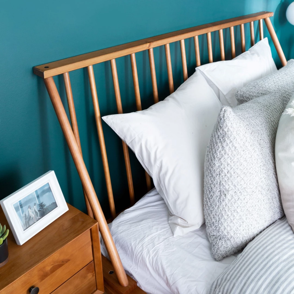 Spindle Back Solid Wood Queen Bed Bed, Wood platform bed