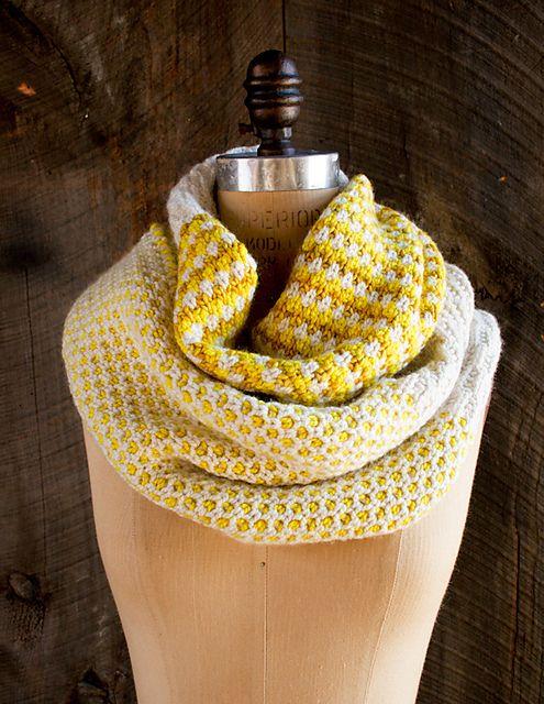 Stitch Block Cowl pattern by Purl Soho | Knitting Lovely