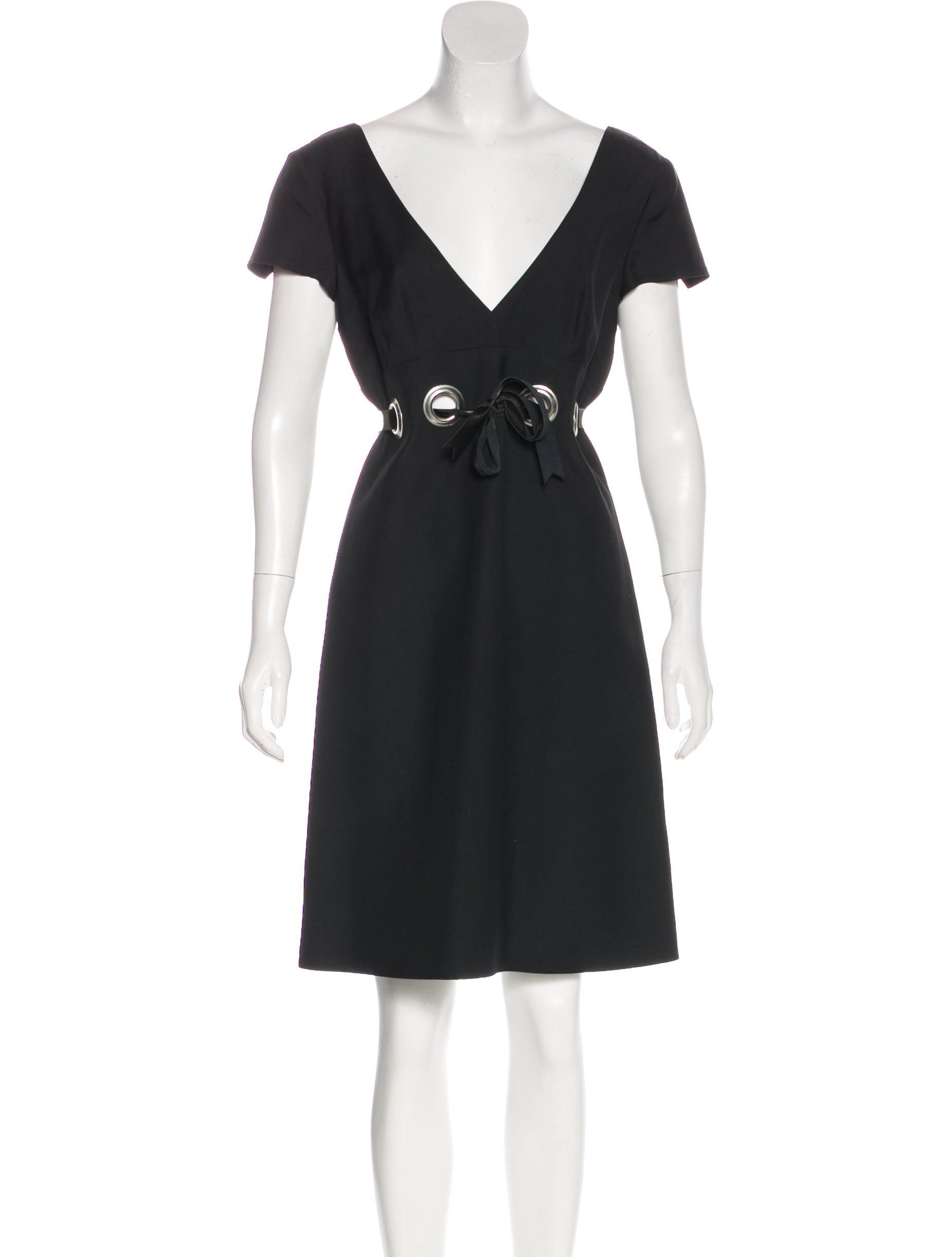 Black chloà short sleeve kneelength dress with surplice neck