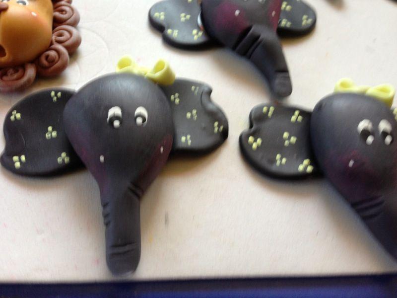 Polymer,Clay,crafts .Elefant, elefantes recuerditos .Roxsanabellop.tumblr.com