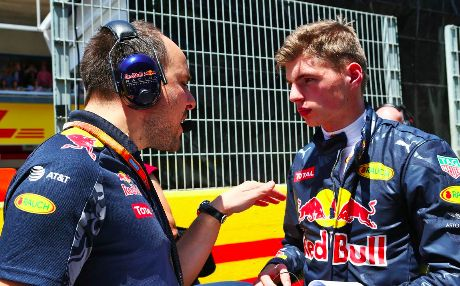 Max with his engineer before the GP IN Spain