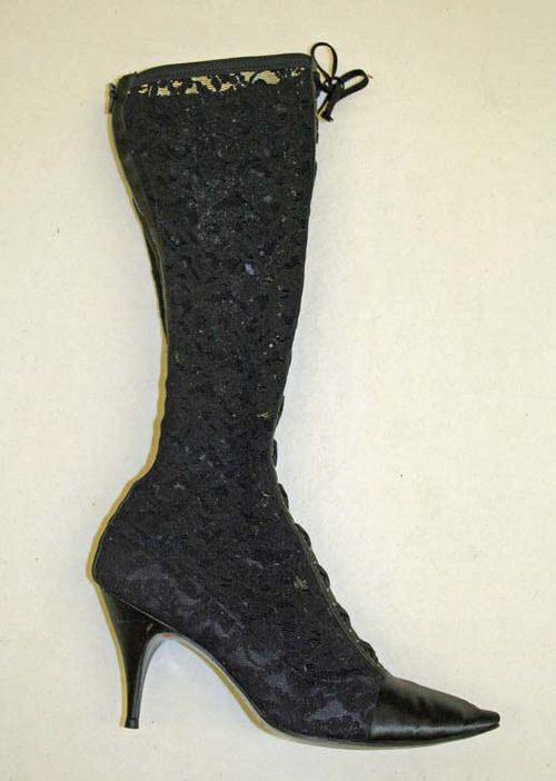 599b4cb2329ca 1960 s boots   Costumes - 1900 s   Pinterest   Boots, Vintage shoes ...