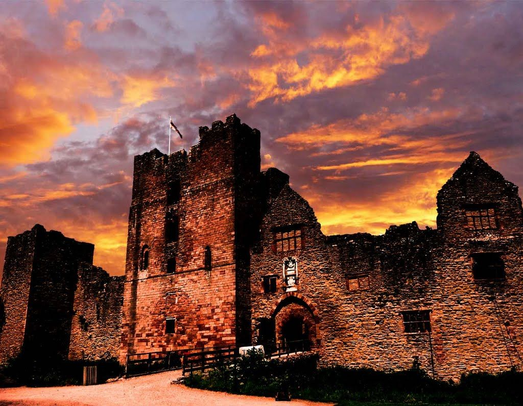 Ludlow Castle At Sunset Castles Medievel 4 Ludlow