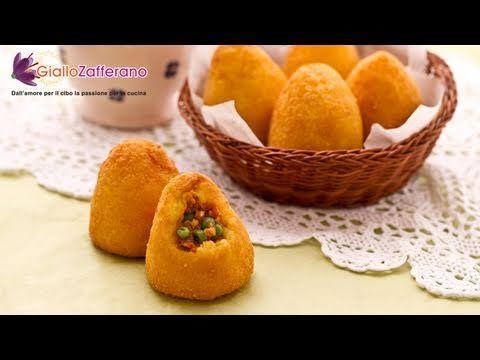 Ricette Arancini Giallo Zafferano.Making Arancini Di Riso Ricette Pasti Italiani Idee Alimentari