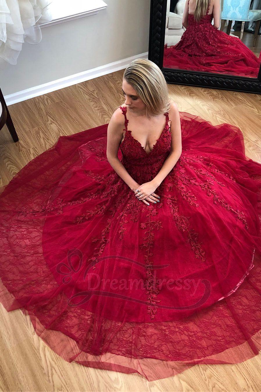 Gorgeous straps v neck red lace appliques long prom dress party