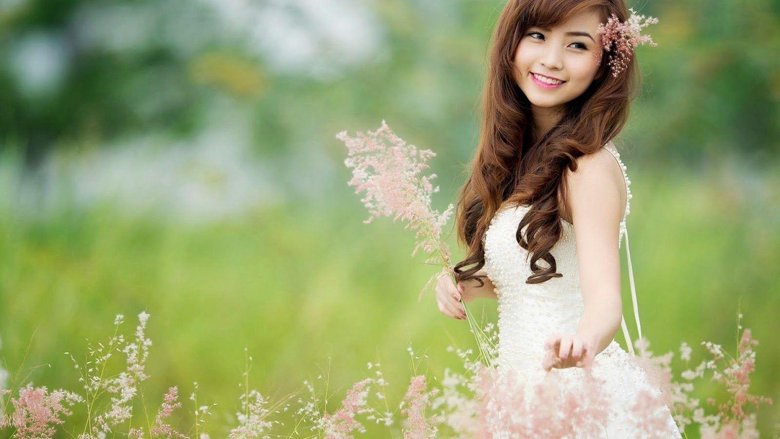 Wallpaper download hd girl - Cat And Girl Cute Wallpaper Hd Download For Desktop Mobile 1600 901 Cute Girl Pics