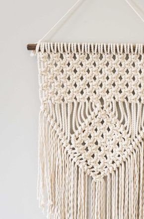 13 Easy Macrame Projects For The Beginner That Anyone Can