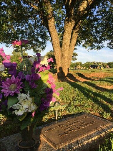 Grandpa Malone ' s grave