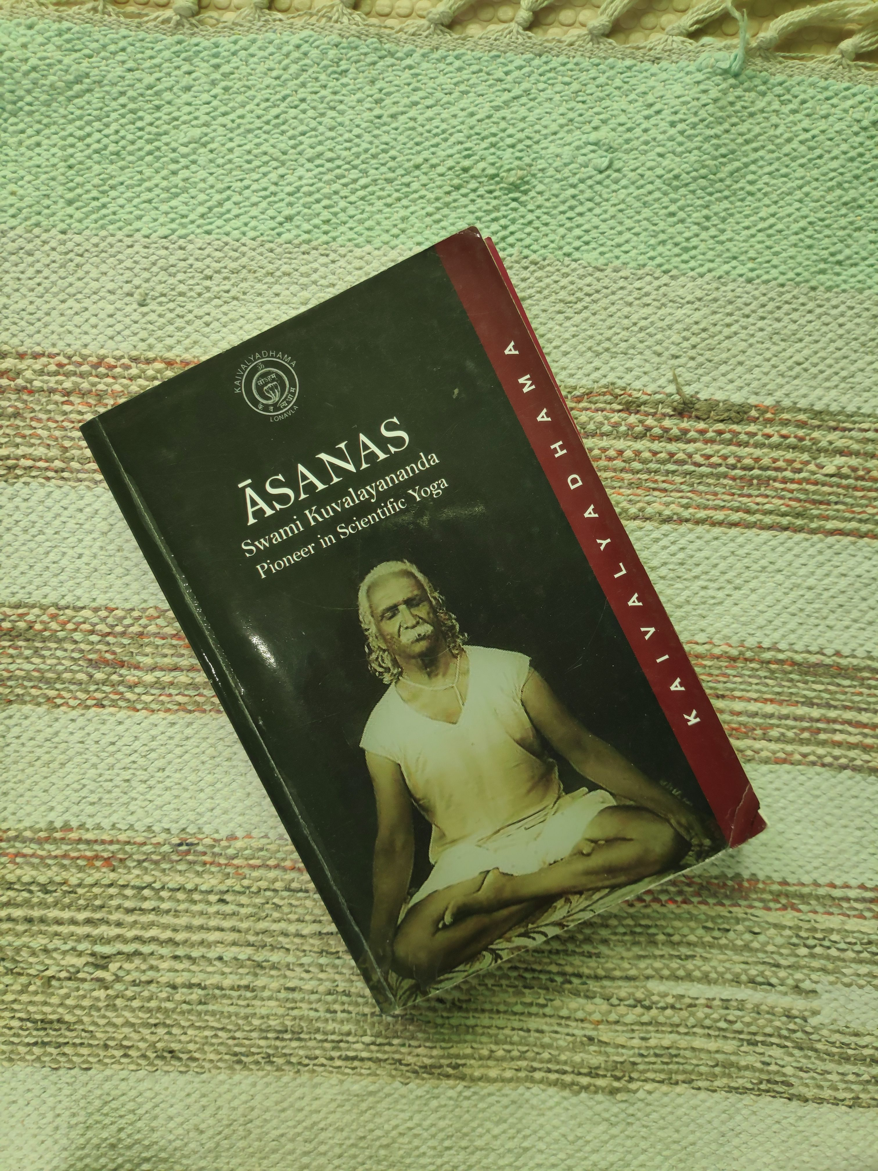 Studying The History Of Yoga And Yoga Philosophy Is As Crucial As Practicing Asanas If You Are Practicing To Become A Yog Learn Yoga Yoga Books Yoga Philosophy