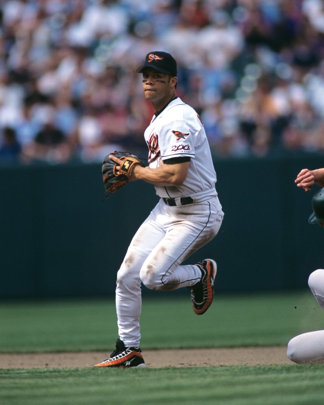 Happy Birthday To Hall Of Famer Roberto Alomar Doubletap Tag A Friend Below Plz Follow Us Orioles Fan Clubs Via Baltimore Orioles Orioles Mlb Players