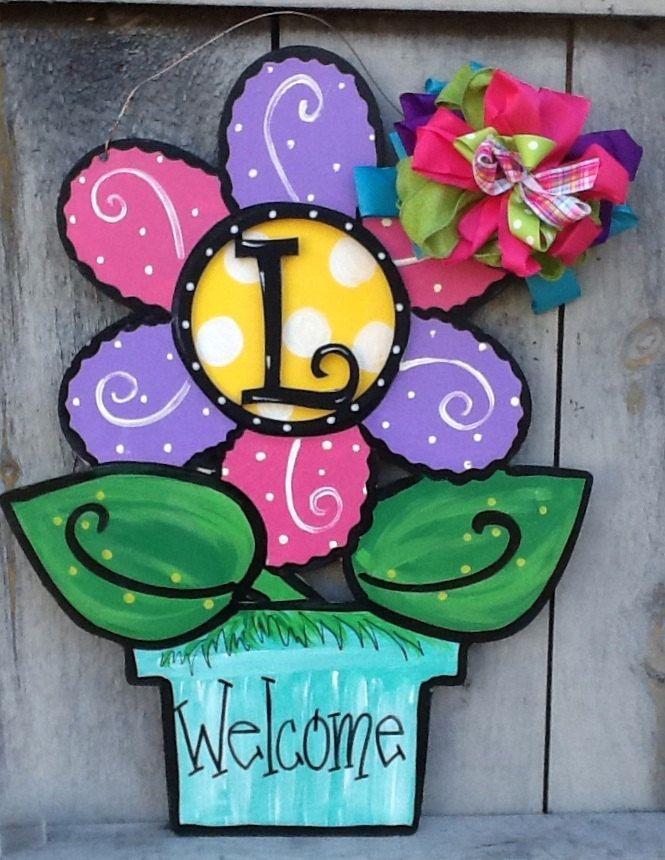Flower door hanger, summer door hanger, spring door hanger, daisy door hanger, flower monogram sign, flower sign, summer sign, spring sign by Angelascreativecraft on Etsy https://www.etsy.com/listing/399356471/flower-door-hanger-summer-door-hanger