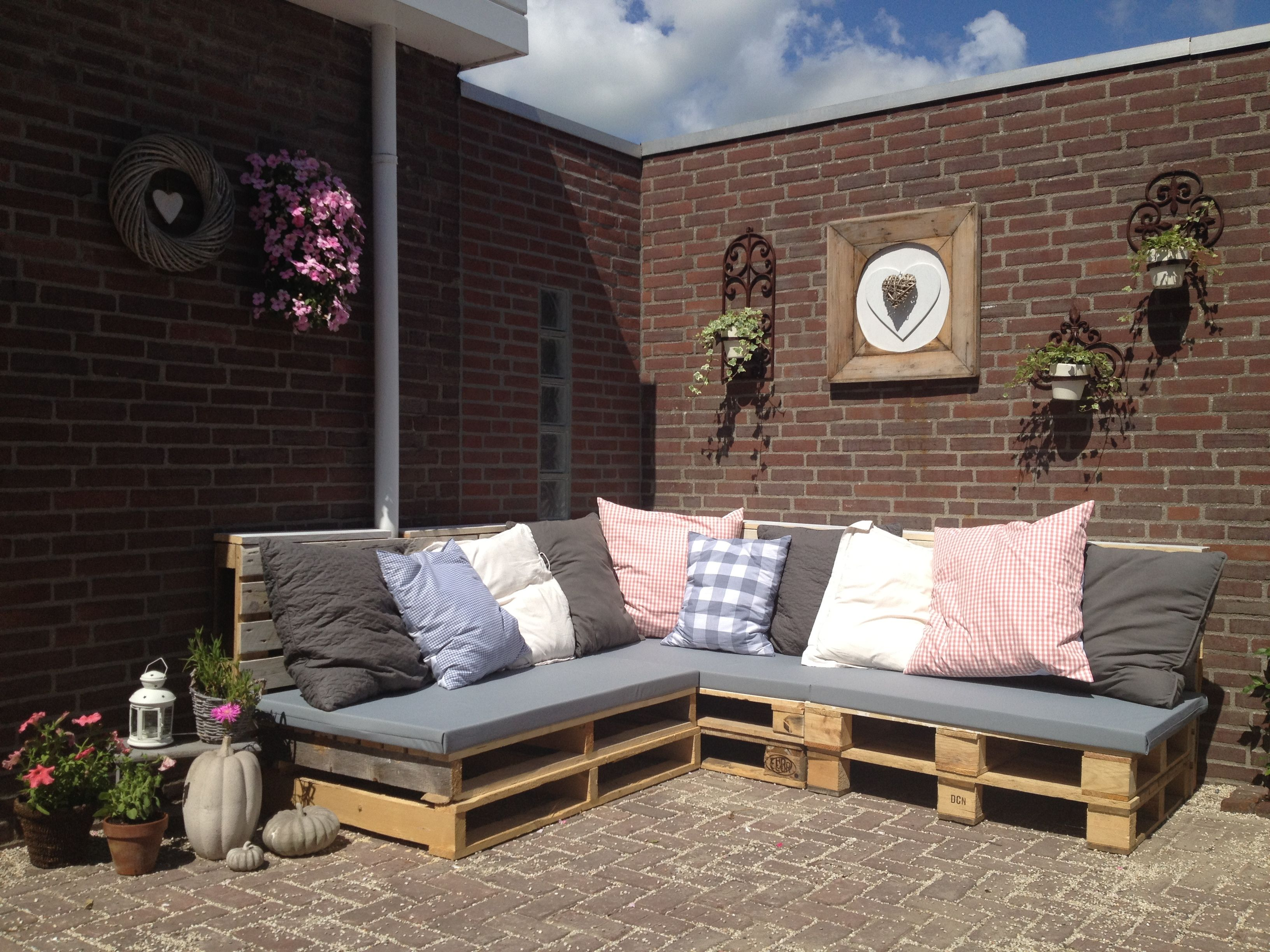loungebank van pallets tuin pinterest tuin buiten en terras. Black Bedroom Furniture Sets. Home Design Ideas