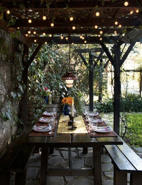Outdoor Dining Area With Trellis Cover Exactly The Table I Want