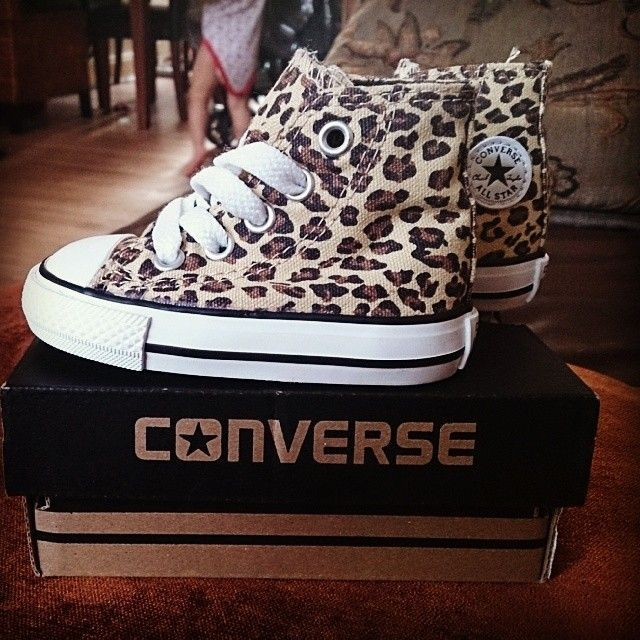 converse leopard kids