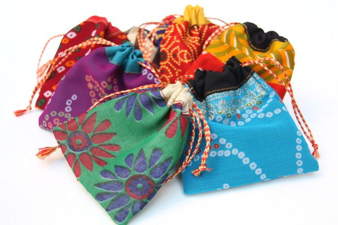 Indian Party Favor Bags Jewelry Pouches Small Gift Bags 4x4 Size 100
