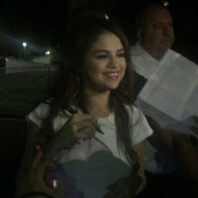 Selena Gomez Photos  İcon  Página 2  Wattpad