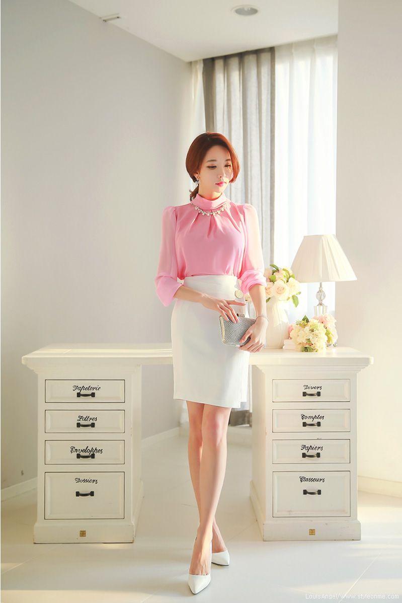 Romantic u trendy looks styleonme korean beauties in
