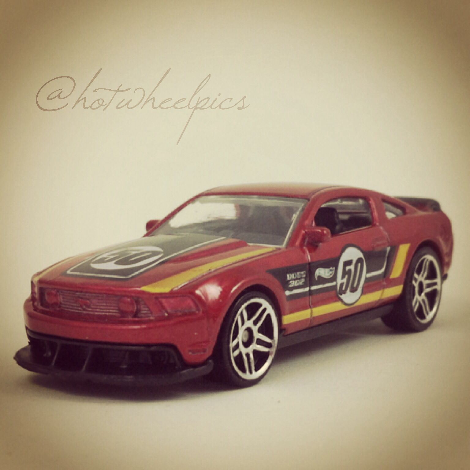 12 Ford Mustang Boss 302 Laguna Seca 2014 Hot Wheels Hw City Mustang 50th Hotwheels Toys Ford Mustang Hot Wheels Toys Hot Wheels Hot Wheels Cars